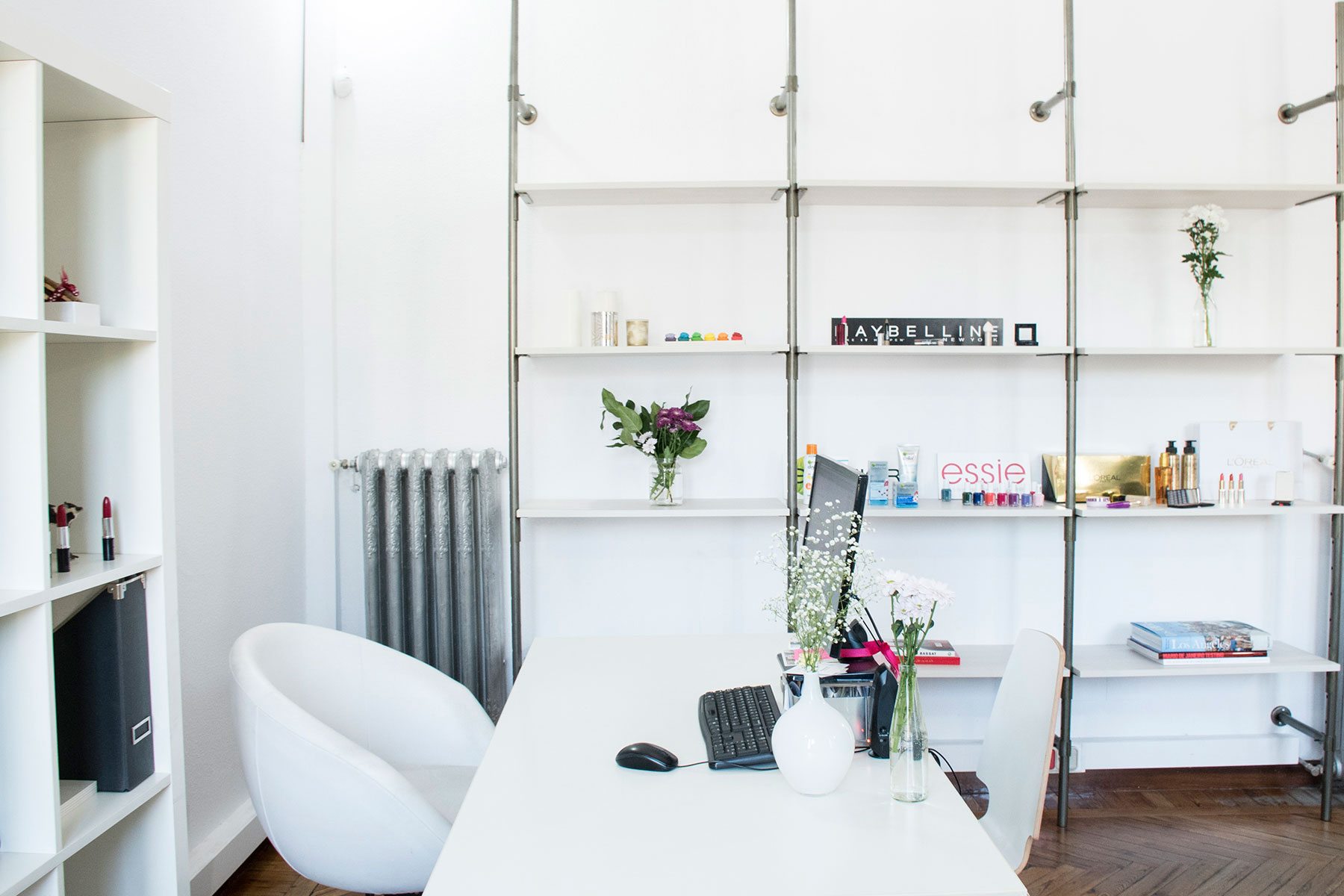 pin-up-comunicacion-showroom-web-13